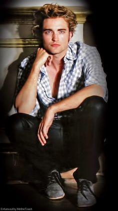 "Robert Pattinson in a photo shoot (blown up) for ""Teen"" magazine 2008......"