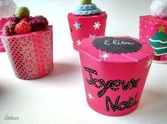 Bonjour, Voici une sympathique façon de fabriquer des petites boites, facile comme tout et comme j'aime vous le proposer. Les enfants aimeront personnaliser leur boites, les remplir de friandises, chocolats ou petit cadeau. Ces petites boites peuvent...