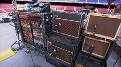 The Edge's guitar system ... about on par with Dave Gilmours system. The two of them would have much to talk about here ;)