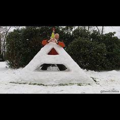 #TriadAlert  Triad in the snow, by Ekmi Echeline