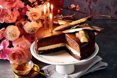 This chocolate delice recipe is filled with brownie, panna cotta and chocolate mousse. Pear Recipes, Cake Recipes, Dessert Recipes, Chocolate Fudge Brownies, Chocolate Cakes, Pear Cake, Small Cake, Specialty Cakes, Cake Toppings