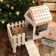 Girls if u want a cute little home for your bunny🐰here ya go🙈💗 Bunny Cages, Rabbit Cages, Rabbit Toys, Pet Rabbit, Rabbit Cage Diy, Animal Room, Hamsters, Pet Bunny Rabbits, Bunnies