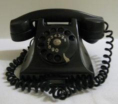 Telefone Anos Dourados Em Baquelite Funcionando! - R$ 500,00 no MercadoLivre