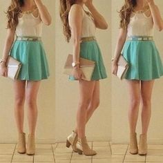 Falda circular corta verde.