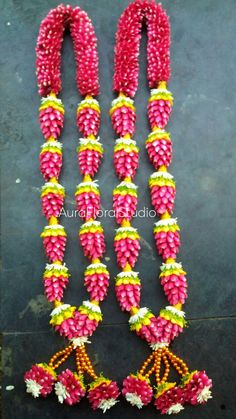 Here you can find a huge collection of natural flower wedding garlands designs for indian weddings and flower jewellery collection for occasions. Indian Wedding Flowers, Flower Garland Wedding, Wedding Garlands, Flower Garlands, Flower Decorations, Wedding Decorations, Wedding Colours, Housewarming Decorations, Indian Wedding Invitation Cards