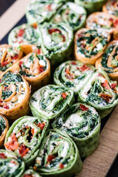 These summer vegetarian recipes are guaranteed to be easy and delicious! From simple vegan summer pasta to vegetarian tacos there's something for everyone! Greek Appetizers, Vegetarian Appetizers, Vegetarian Tacos, Summer Vegetarian Recipes, Meatless Recipes, Keto Recipes, Dinner Recipes, Ways To Cook Asparagus, Vegan Parmesan Cheese