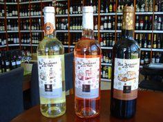 Château de la Négly sa nachádza v oblasti Languedoc, 20km od mesta Narbonne v srdci oblasti Le Clape.   Vinárstvo hospodári na 50 hektároch, ktoré sa rozprestierajú v okolí mestečka Fleury a svoj vznik datuje až do 18 storočia.  Ochutnajte svieže vína z juhu Francúzska ... www.vinopredaj.sk ...  #languedoc #lesjerassesdelanegly #chateau #negly #vino #wine #wein #narbonne #leclape #france #francuzsko #inmedio #wineshop #delishop #vinoteka #liquorstore #store #obchod