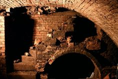 This is a part of the tunnel that is not shown any more because of the collapse in the tunnels and its unsafe to find it again.