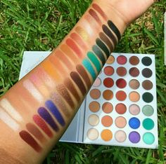 Morphe  The Jaclyn Hill Eyeshadow Palette: rated 4.2 out of 5 on MakeupAlley.  See 30 member reviews,  ingredients and photos.