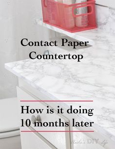 I can't believe how this marble contact paper countertop has held up in a bathroom! Be sure to check out the faux marble contact paper countertop before and after! I can't believe how Rental Decorating, Decorating Tips, Decorating Your Home, Diy Home Decor, Faux Marble Countertop, Marble Countertops, Kitchen Countertops, Papel Contact, Diy Bathroom