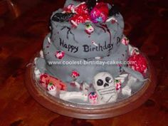 Homemade  Halloween Cake Design... This website is the Pinterest of halloween cakes