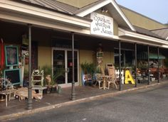 Here Are 10 Antique Shops In Alabama To Visit For That One-Of-A-Kind Treasure