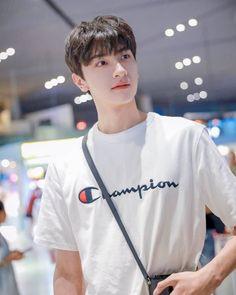 Most Handsome Actors, Handsome Boys, Asian Actors, Korean Actors, Ullzang Boys, Dramas, Hemsworth Brothers, Chines Drama, My Bebe