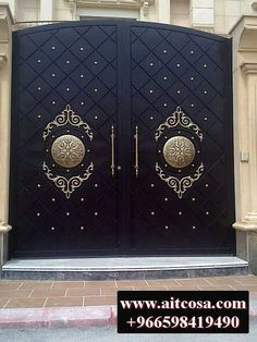 Πόρτες καγκελα Gate Wall Design, House Main Gates Design, Steel Gate Design, Wooden Main Door Design, Front Gate Design, House Front Design, Iron Main Gate Design, Gate Designs Modern, Modern Entrance Door