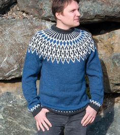 This lovely blue men's sweater is knitted with quality Finnish yarn what is high resistant to wear. Lopapeysa is a traditional Nordic design, knitted in a non-varying circle. This chunky jumper is soft, cosy and warm. Yoke design is by Olga Begak. Snood Knitting Pattern, Fair Isle Knitting Patterns, Knitting Machine Patterns, Lace Knitting, Hand Knitted Sweaters, Blue Sweaters, Wool Sweaters, Knitted Hats, Blue Sweater Mens