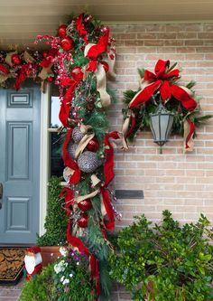 """CHRISTMAS EXTERIOR """" ngg_triggers_display=""""never"""" order_by=""""sortorder"""" order_direction=""""ASC"""" returns=""""included"""" Outside Christmas Decorations, Decorating With Christmas Lights, Holiday Decorations, Christmas Door, Christmas Holidays, Christmas Wreaths, Merry Christmas, Christmas Projects, Christmas Ideas"""