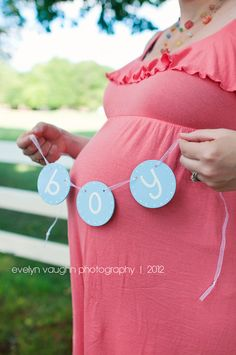 gender reveal ideas, baby banner, gender reveal photo, maternity photo props