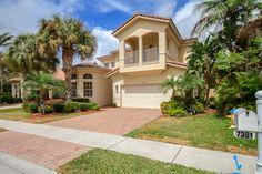 Real Estate Photoshoot in Pembroke Pines, FL #realestate #realestatephotographer #florida #miami #westpalmbeach #bocaraton #coralsprings #pompanobeach #diningroom #pembrokepines