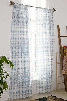 "Blauer Vorhang ""Trikona"""