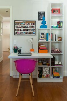 Quarto de solteiro com mini escritório, ou mini home office!