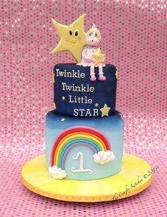 How cute!!.. Twinkle twinkle little star cake