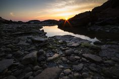 Sunrise on the rocks acquabella ortona This is one of the shots taking part in the Manfrotto Golden Hour contest. For more info http://www.manfrottogoldenhour.com/ #manfrotto #photography #manfrottogoldenhour