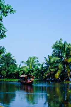 Backwaters, Kerala, India Book your package here www.hotel-booking-in.com
