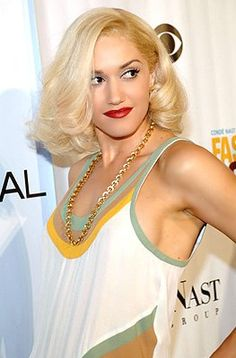 Gwen Stefani - best platinum blonde hair!!!