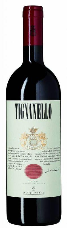 Bestel Marchesi Antinori Tignanello 2012 IGT voordelig bij wijnig.nl. Het icoon van Antinori met verfijnde aroma's van tabak, kerrie, bramen- en bessenjam. De smaak is vol en zijdezacht met licht zoete hints. Hij heeft evenwichtige tannines en een volle, zeer lange, afdronk. Maak hem gerust 2 uur van te voren open. #Tignanello #rodewijn
