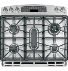 The fifth center burner in our GE Profile Series slide-in double oven gives you more flexibility and control in the kitchen.