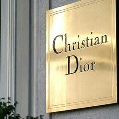 Chrisian Dior label