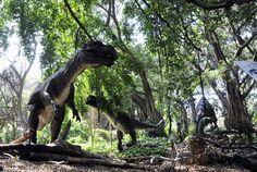 Dinosaurios en el Parque Almendares. Habana. Cuba  FOTO: Roberto Suárez