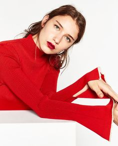 Autumn And Winter Europe Big Brand Women High-necked Bottoming Shirt Soft Comfortable Cuffs Split Speaker Sleeves Slim Tops Fall Fashion Trends, Autumn Fashion, Red Shirt Outfits, Lacoste, Zara Models, Mustang, Chunky Knitwear, How To Purl Knit, Fashion Poses