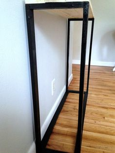 DIY Modern Entryway Table – Mom in Music City Entryway Table Modern, Entryway Decor, Diy Room Decor, Entryway Tables, Living Room Decor, Home Decor, Furniture Projects, Wood Colors, Types Of Wood