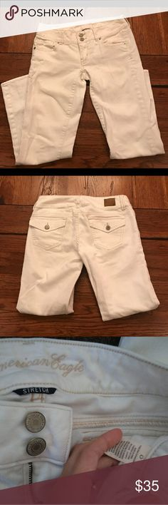 American eagle crop jeans Sz 0 American eagle crop jeans. like new condition American Eagle Outfitters Jeans Ankle & Cropped