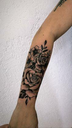 ideas tattoo ideas small quotes tatoo for 2019 Forearm Flower Tattoo, Forearm Tattoos, Flower Tattoos, Body Art Tattoos, Rose Sleeve Tattoos, Tattoo Sleeves, Sleeve Tattoos For Women, Hand Tattoos, Tatoos