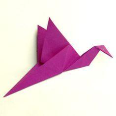 Einfacher Kranich -  zieht man vorn und hinten, bewegen sich sein Flügel                                                                                                                                                                                 Mehr