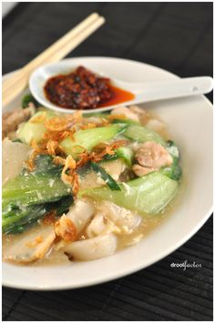 Rice Noodles in Egg Chiffon Sauce