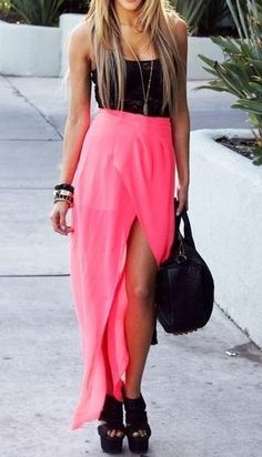 Neon maxi skirt with black strapy vest and black platform sandals Looks Style, My Style, Estilo Fashion, Fashion Outfits, Womens Fashion, Fashion Wear, Swagg, Dress Me Up, Passion For Fashion