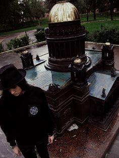 On thursdays we wear black. Well, as on other days too. #blckxlnz #ghettogoth #rain #sainpetersburg #nugoth #witch #occult  Street goth, health goth, ghetto goth stuff