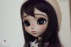 http://www.poisongirldolls.com/gallery/9704720547179.jpg