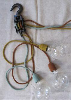 Drie lampen aan een katrol via www.welke.nl (superleuke site!)