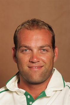 November 9 Jacques Kallis during the South African cricket team photocall session. World Cricket, Famous Sports, Beard Lover, Sports Stars, Bearded Men, Mens Fitness, South Africa, November, Celebrities