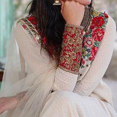Latest Pakistani Party Wear Dresses Fashion Of 2017 – Business Loans and Ideas Pakistani Party Wear Dresses, Pakistani Outfits, Indian Dresses, Indian Outfits, Net Dresses, Indian Saris, Girls Dresses, Indian Attire, Indian Ethnic Wear