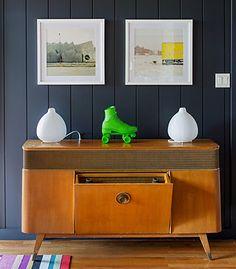 Black wood panelling (Roseland Greene)