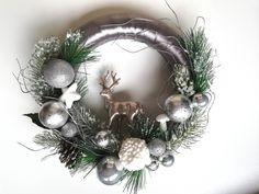 Coronita pentru usa de Craciun handmade by Deco-Ad Christmas Wreaths, Album, Holiday Decor, Home Decor, Corona, Decoration Home, Room Decor, Advent Wreaths, Interior Decorating
