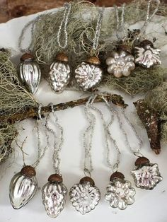 Silver Christmas Ornaments - for Lauren's bedroom Silver Christmas, Noel Christmas, Vintage Christmas Ornaments, Christmas Baubles, Country Christmas, All Things Christmas, Christmas Crafts, Christmas Decorations, Silver Ornaments