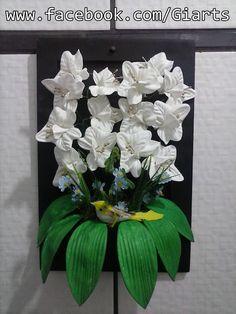 Quadro com orquídeas em E.V.A R$ 40,00