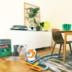 Retro, greenplants, interior, cleaning, vinyl, vacuum cleaner, dammsugare Vacuums, Kids Rugs, Cleaning, Interior Design, Retro, Home Decor, Nest Design, Vacuum Cleaners, Decoration Home