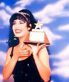Selena Quintanilla Perez, Selena Selena, Beautiful Person, Aaliyah, Icons, Queen, London, Board, Modern